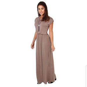 Dresses & Skirts - NWOT Maxi Dress | Mocha High Waisted Short Sleeve
